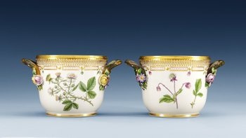 A pair of Royal Copenhagen ´Flora Danica´porcelain flower pots, Denmark 1960´s. (2). Painted with ´Geum rivale L.´, ´Potentilla verna L.´ and ´...