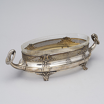 A SILVER AND GLASS JARDINIERE, French control marks, early 20th century, weight 560 g.