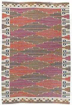 """117. A CARPET, """"Bruna heden"""", flat weave, 306 x 204 cm, signed MMF."""