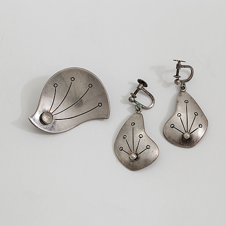 A pair of earrings and a moonestone brooch, by lennart haglund, stockholm, 1955