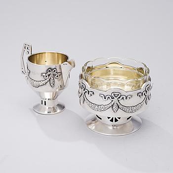 RYSK SOCKERSKÅL OCH MJÖLKKANNA, silver, Moskva 1908-17, Vasili Andreev, silvervikt 420 g.