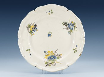 1212. A faience charger, probably Strasbourg, 18th Century.