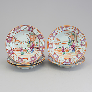 TALLRIKAR, 5 st, djupa, porslin, Kina, 1700-tal.