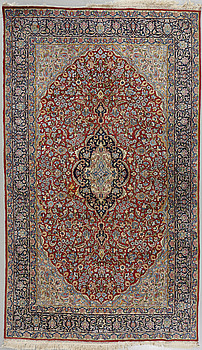 MATTA, Kirman, old/semiantik, signerad, 250 x 151 cm.