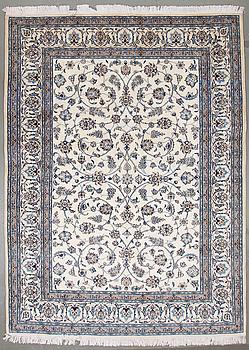 MATTA, Nain, part silk, ca 330 x 245 cm.