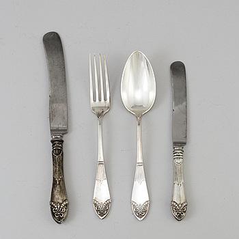 """BESTICKSERVIS , silver, """"Empire"""", Axel Bergman Stockholm. Total vikt ca 4900 gram inkl knivblad. År 1900."""
