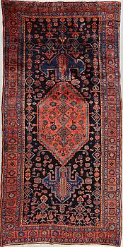 MATTA, Bidjar, old/semiantik, 272 x 134 cm.