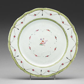 A set of 12 famille rose dinner plates, Qing dynasty, Qianlong (1736-95).