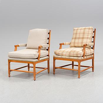 """FÅTÖLJER, ett par, Gustaviansk stil, """"Gripsholmsmodell"""", 2000-tal."""