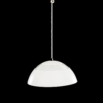 "TAKLAMPA, ""AJ Pendeln"", Arne Jacobsen, Louis Poulsen, Danmark."
