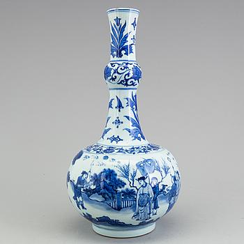 VAS, porslin, Kina. Transition-stil, sen Qingdynastin, omkring 1900.