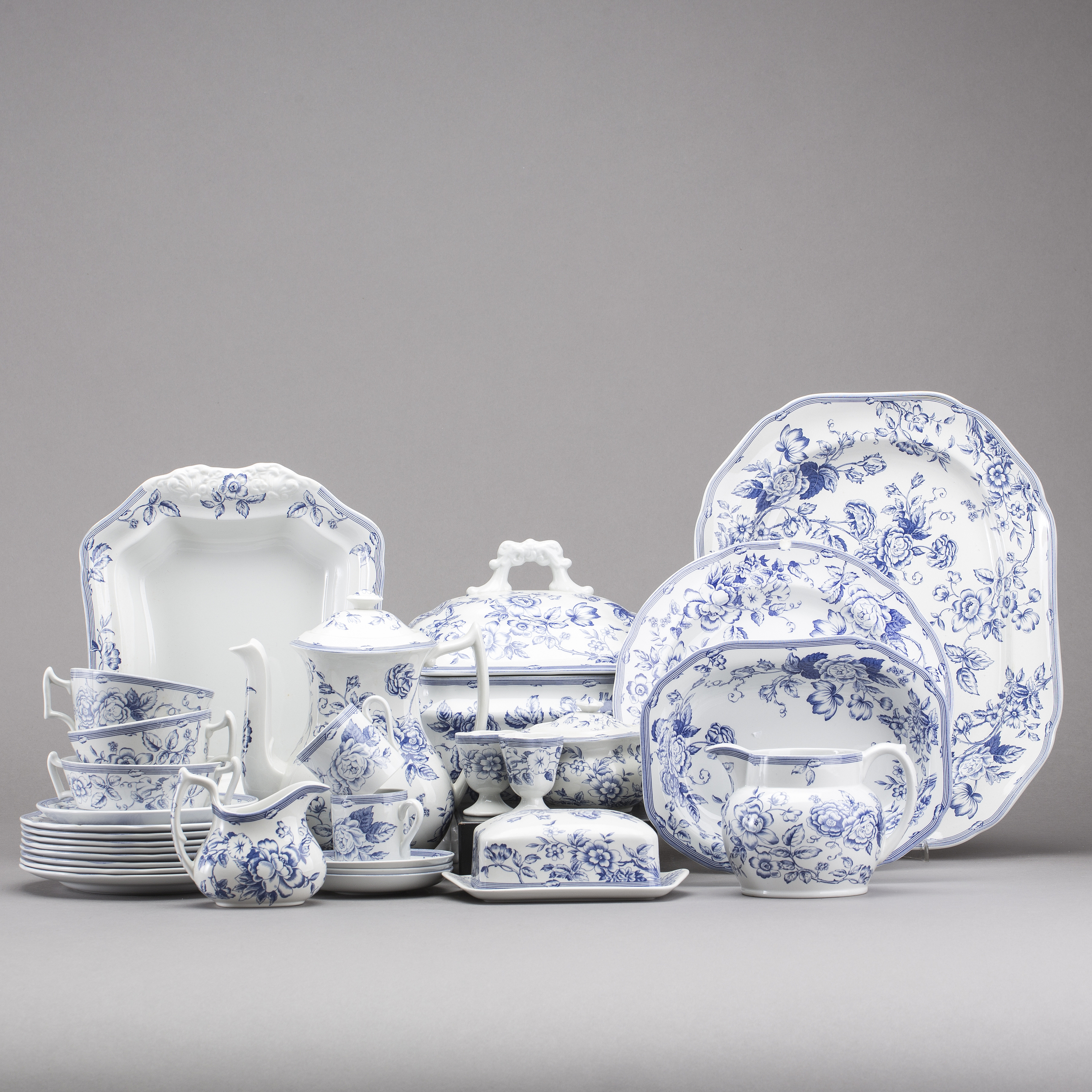 A SET OF 46 PIECES \ CLIFTON\  DINNER SERVICE BY SPODE FOR LAURA ASHLEY. - Bukowskis  sc 1 st  Bukowskis & A SET OF 46 PIECES \
