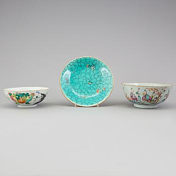 SKÅLAR SAMT FAT, porslin, Kina, sen Qingdynasti, 1800-tal.