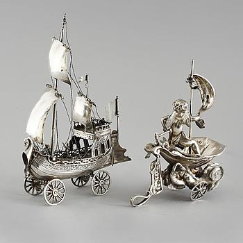 BORDSDEKORATIONER, 2 st, silver, 1800-tal. Vikt ca 780 gram.