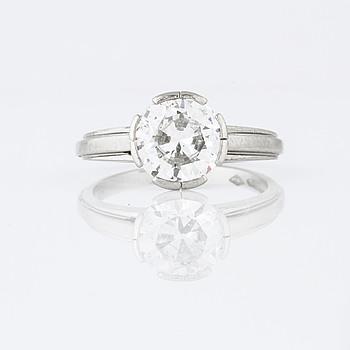 RING, med briljantslipad diamant, 2.10 ct, A. Tillander, Helsingfors.