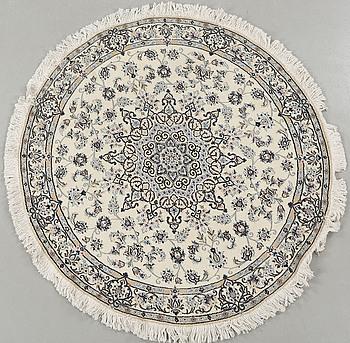 MATTA, Nain, part silk, diameter 135 cm.