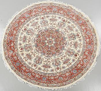 MATTA, Kashmar, part silk, diameter 245 cm.