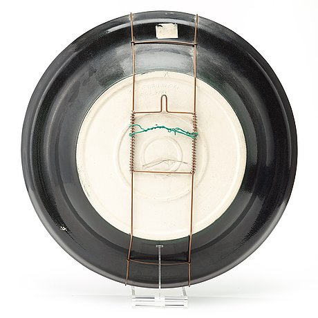 Birger kaipiainen, a birger kaipiainen stoneware dish, arabia ca 1982.