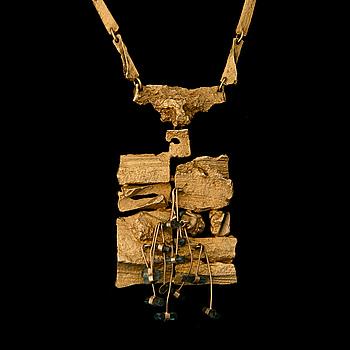 """BJÖRN WECKSTRÖM, BJÖRN WECKSTRÖM, necklace """"Flowering wall"""", 18K gold, tourmaline crystals. Lapponia 1966."""