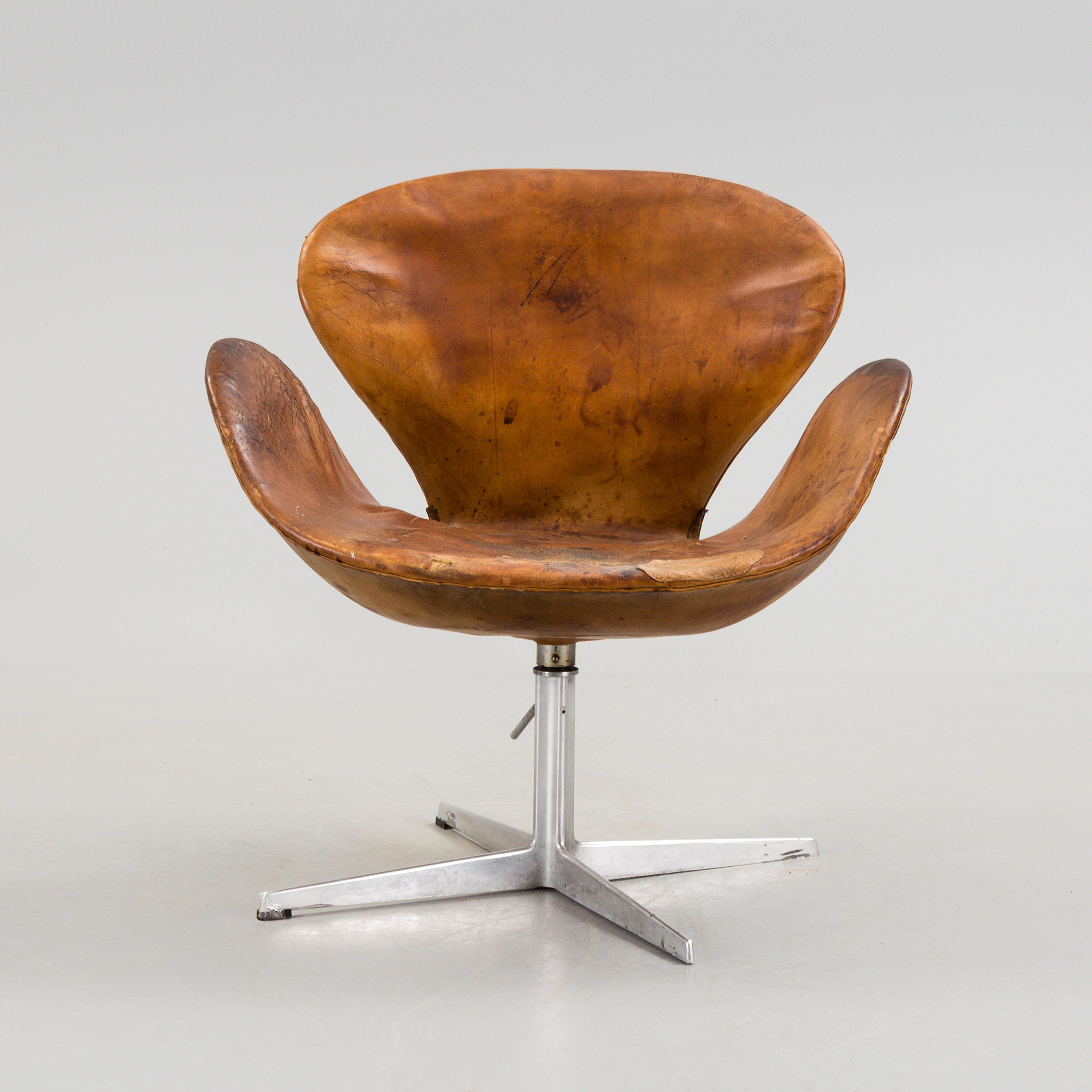 Fabulous An Arne Jacobsen Steel And Brown Leather Swan Chair Fritz Evergreenethics Interior Chair Design Evergreenethicsorg
