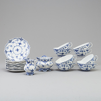"TESERVIS, 10 delar, porslin, ""Musselmalet"", Royal Copenhagen."