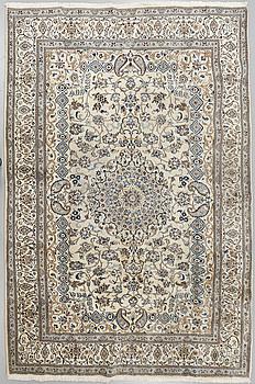MATTA, Nain, part silk, 354 x 242 cm.
