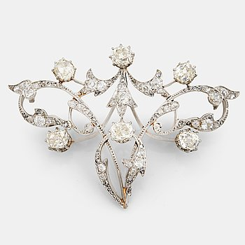 790. A old- and rose cut diamond brooch. Late 19th- early 20th century.
