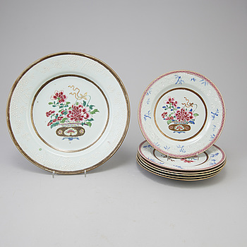 TALLRIKAR 3+4 st, kompaniporslin, Kina, Qingdynastin, Qianlong (1736-95).