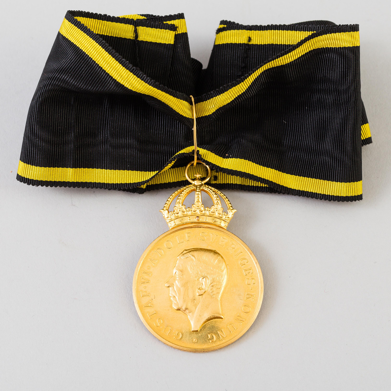 An 18K gold Royal Medal, Pro Patria, Gustav VI Adolf, 1960