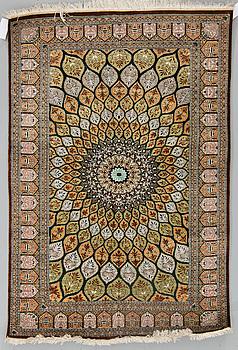 MATTA, silke Ghom sannolikt, ca 151 x 100,5 cm.