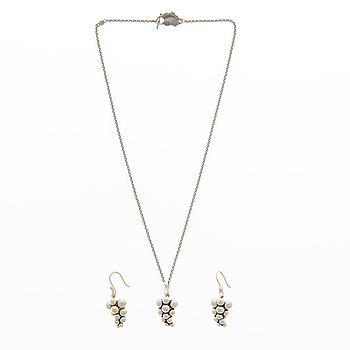 """GEORG JENSEN, NECKLACE and EARRINGS, """"Moonlight grapes"""", silver."""