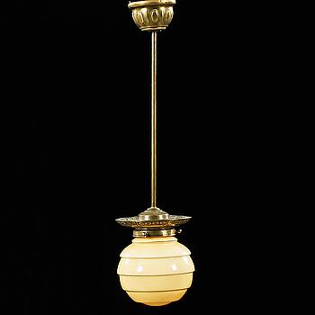 TAKLAMPA, 1900-talets första hälft, höjd ca 61 cm.