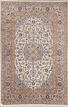 MATTA, orientalisk. Ca 307x204 cm.