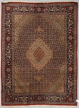 MATTA, old Täbris, ca 205 x 153 cm.