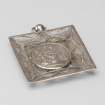 PLAKETT, silver, senempire 1800-talets andra hälft, utländska stämplar.
