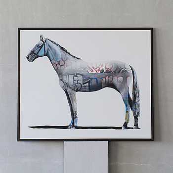 """SHAI DAHAN, """"Graff Equestrian"""", blandteknik på duk, signerad och daterad a tergo 2016."""