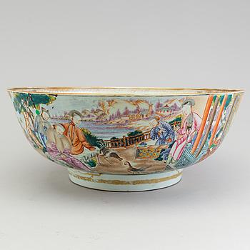 BÅLSKÅL, porslin, Kina, Qianlong (1736-95).