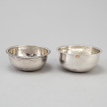 TUMLARE, silver, 2 st, 1700/1800-tal, Köping resp. CF Seseman, Arboga. Tot vikt 25 gram.