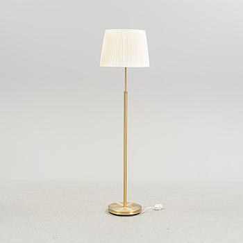 JOSEF FRANK, golvlampa, modellnummer 2148, Firma Svenskt Tenn. 1900-talets andra hälft.