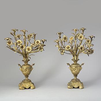 KANDELABRAR, ett par, bronserad metall, tidigt 1900-tal.