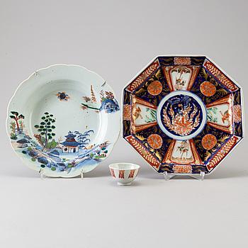 FAT, DJUP TALLRIK samt SKÅL, porslin, Kina och Japan, 1700-1800-tal.