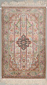 MATTA, Kina silke, ca 153 x 94 cm.