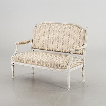 SOFFA, Louis XVI-stil 1900-talets början.