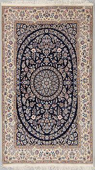 MATTA, Nain, part silk, ca 218 x 126 cm.