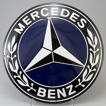"""SKYLT, emaljerad plåt, """"Mercedes Benz"""", 1900-talets andra hälft."""