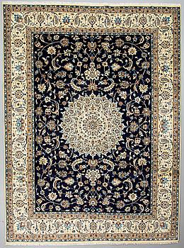 MATTA, Nain, part silk, 9 LAA, ca 345 x 256 cm.