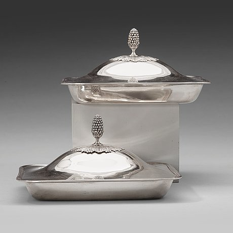 A pair of swedish early 19th century silver dishes and covers, mark of petter adolf sjöberg, stockholm 1820.