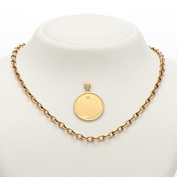 A PENDANT and CHAIN, Lotta Svärd gold medal, cain 14K gold.
