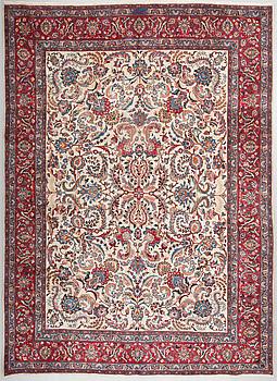 MATTA, möjligen Kashmar, signerad Sirjani. Ca 390 x 286 cm.
