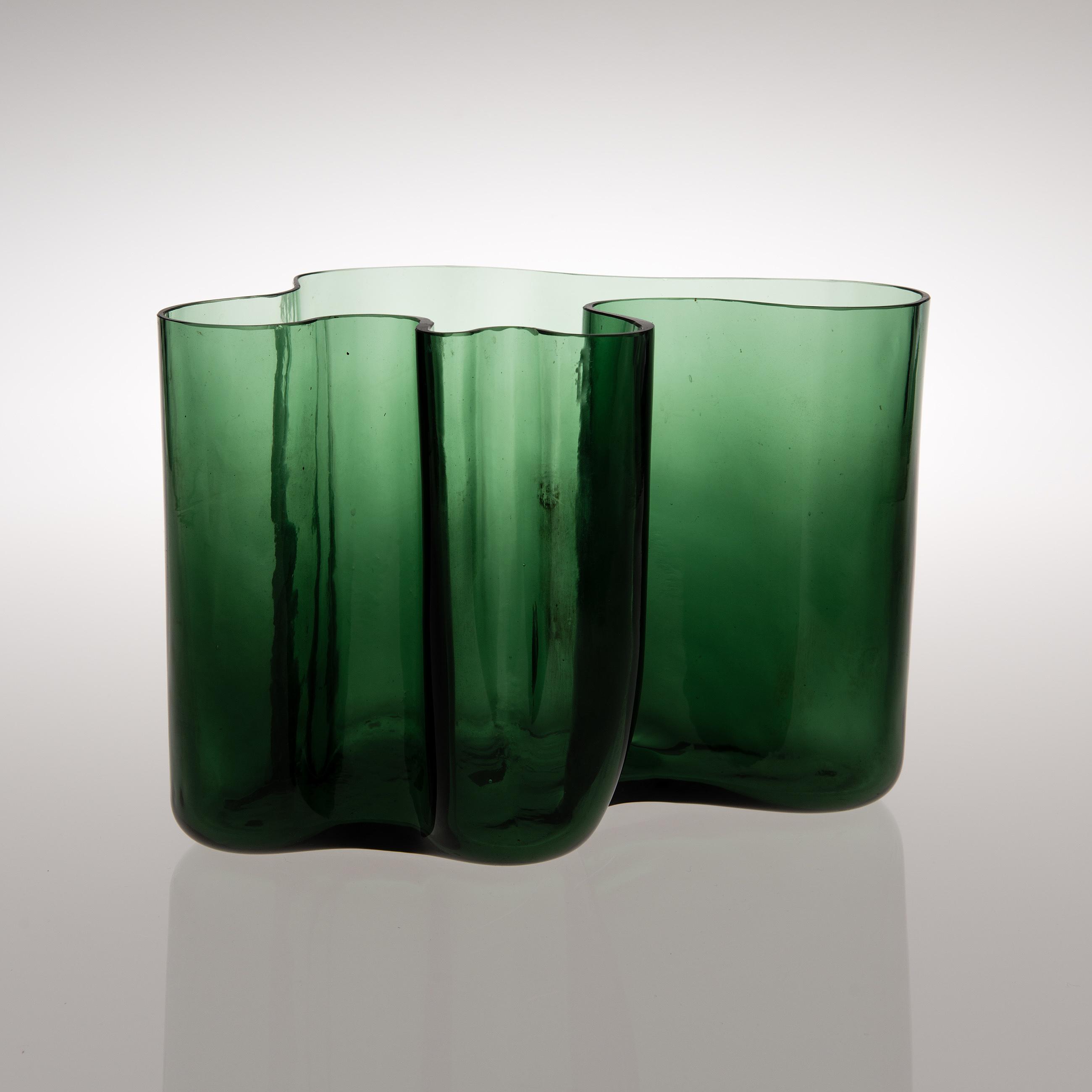 Alvar aalto a vase signed a aalto 37 karhula bukowskis 10433182 bukobject reviewsmspy